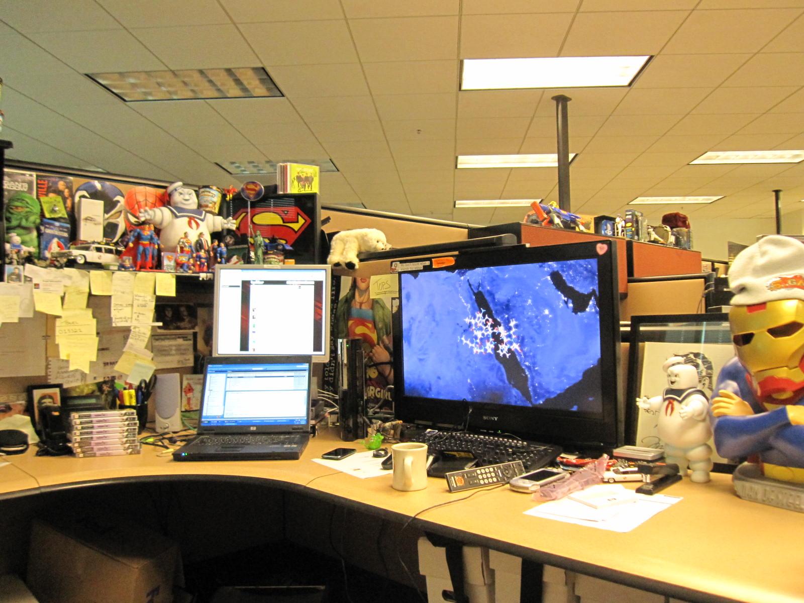 Greg_Miller_s_Desk_2